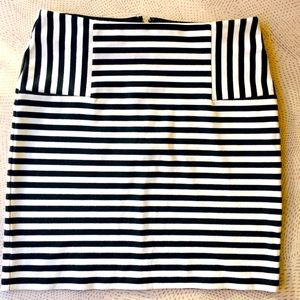 Forever 21 Striped Mini Skirt. Small. Great shape